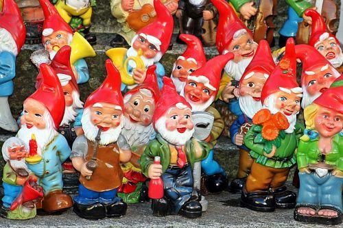 garden gnomes garden dwarfs