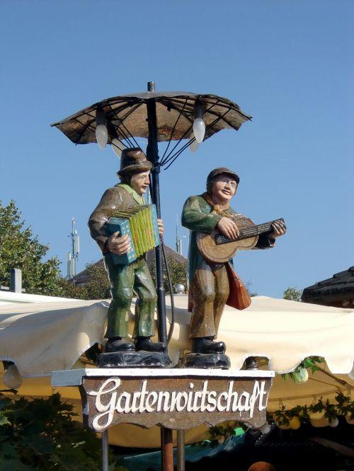 garden restaurant figures wooden figures