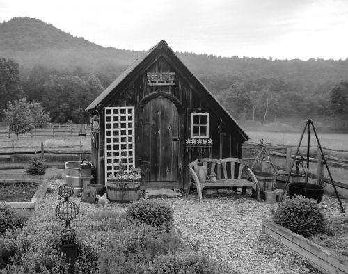garden shed country gardening