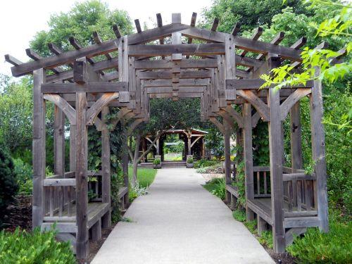 gardens trellis landscaping