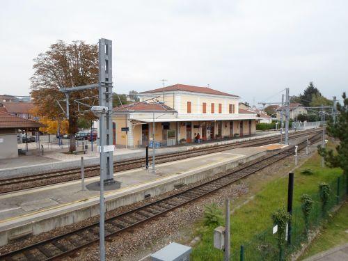 Rail Bridge Dock Station