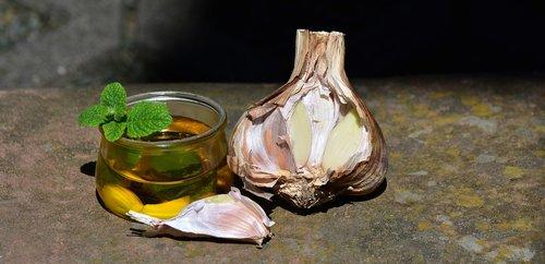 garlic  leek  oil