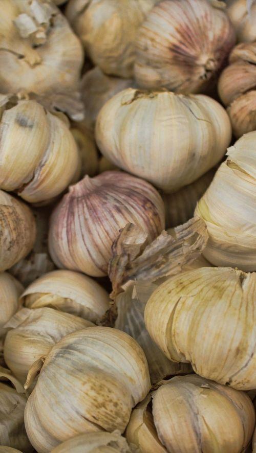 garlic whole garlic cloves