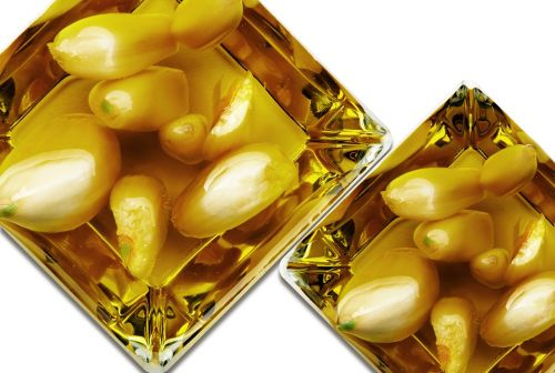 garlic oil glass
