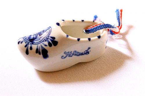 garnish porcelain clog