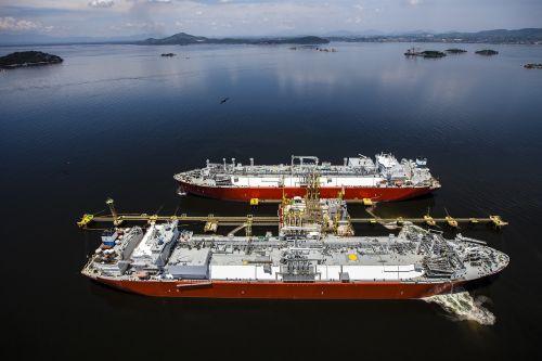 gas tanker bay