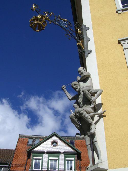 gasthof crown ravensburger kids market sculpture