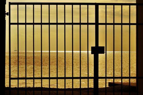 gate sea gold