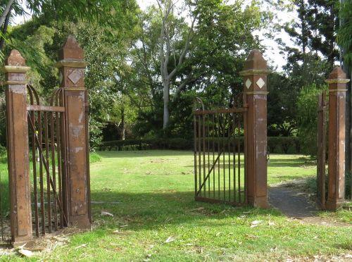 gate gates antique