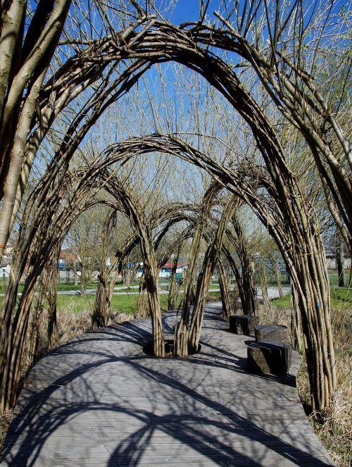 gate willow arcade