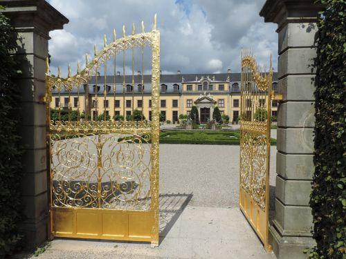 gates palace architecture