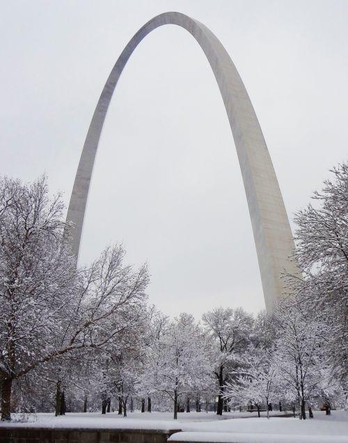 gateway arch saint louis snow