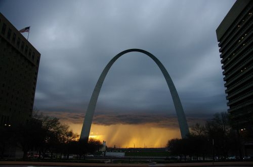 gateway arch gateway to the west clouds