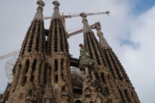 gaudi barcelona gaudi cathedral