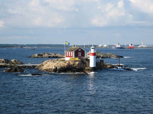 gäveskär,gothenburg,Baltijos jūra,švyturys gäveskär,Rokas,Švedijos,Švedijos pakrantė,Švedija,namelis,skerry,Gothenburgo archipelagas,Västra Götaland County,uolos,mažas švyturys,švyturys,vaizdingas,Švedijos vėliava
