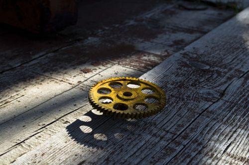 gear metal rust