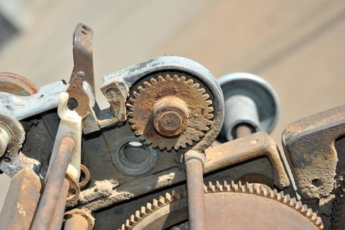 gears  rust  past
