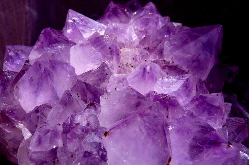 gem amethyst violet