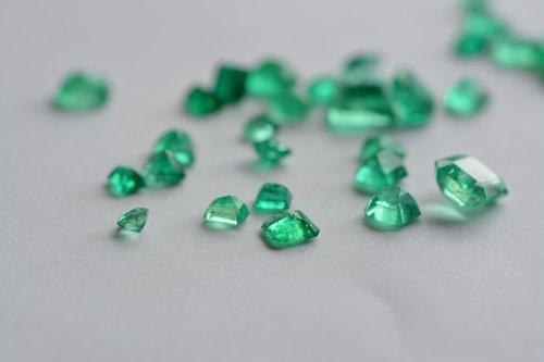 gem  emerald  stones