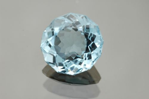 gem blue topaz gemstone