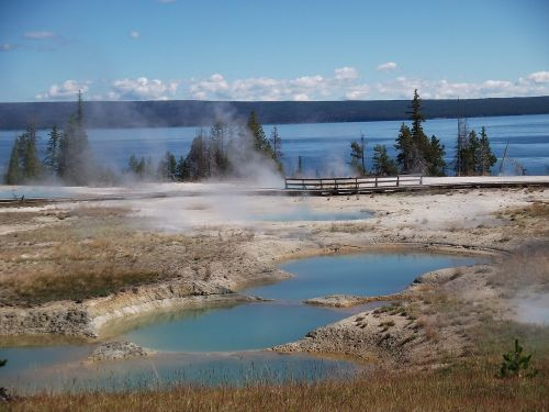 geothermal yellowstone lake