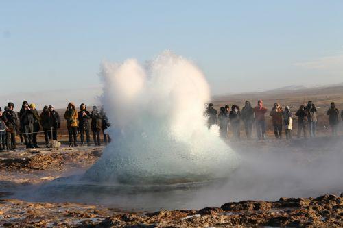 geyser water fountain