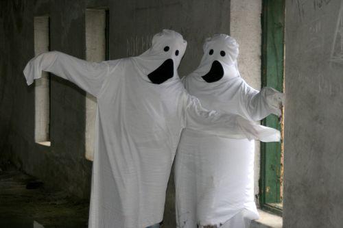 ghosts halloween white