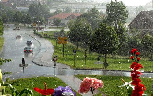giengenas,vasaros lietus,lietus,liūtys,griauna,natūralus spektaklis,debesys