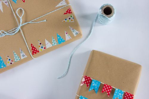 gift twine packaging