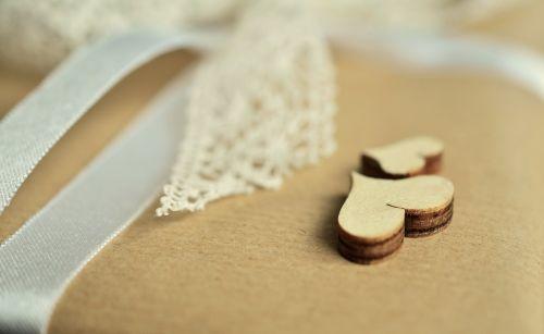dovanos,supakuotas,kilpa,pakavimas,atiduoti,gimtadienis,pagamintas,paketas,širdis,mediena