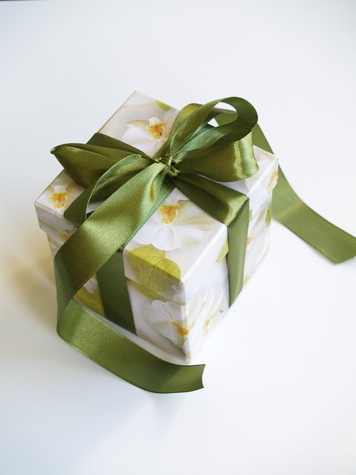 gift  the ribbon  decoration
