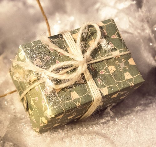 gift  christmas  packed