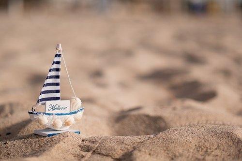 gift  summer  sand