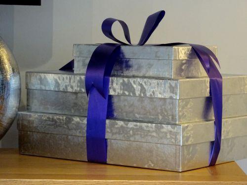pateikti, dovanos, Kalėdos, gimtadienis, dovanos, dovanos, siurprizas, staigmenos, dovanojama & nbsp, suvyniota, suvynioti, dėžė, dėžės, dėžutėje, dovana suvynioti dovanas