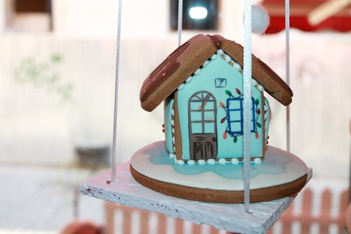 gingerbread  cottage  ornament
