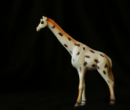 giraffe trinket toy