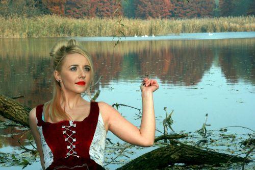 girl lake autumn
