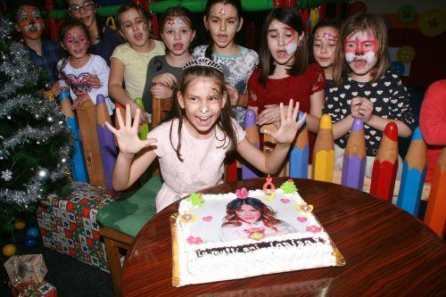 girl birthday party cake