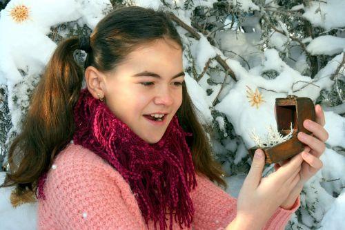 girl snow jewelry box
