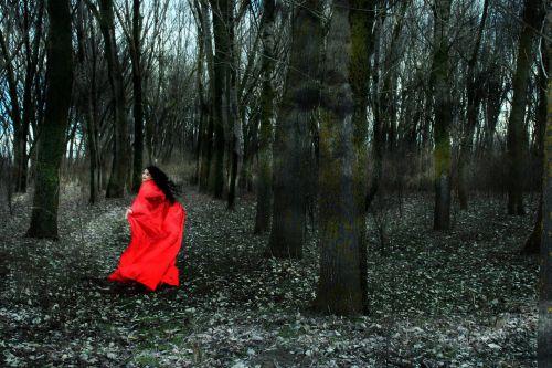 girl fuga red