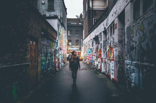 girl alley graffitti