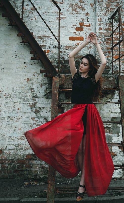 girl dress red