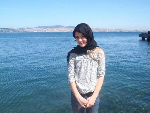 girl headscarf istanbul