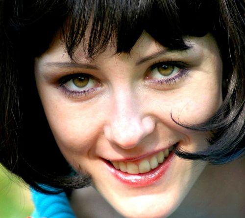 girl portrait brunette