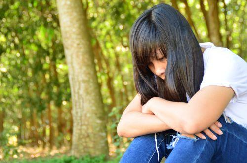 girl sad thinking