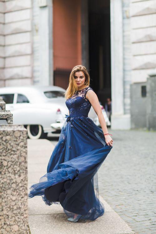 girl dress castle