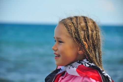 girl pigtails sea