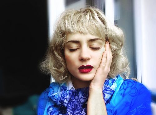 girl blonde tenderness