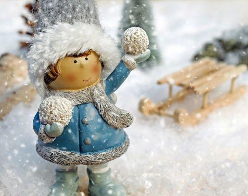 girl figure snow ball