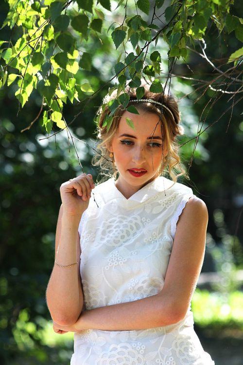 girl summer greens